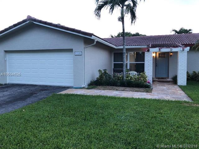 12101 NW 23rd Mnr, Coral Springs, FL 33065 (MLS #A10504626) :: The Teri Arbogast Team at Keller Williams Partners SW
