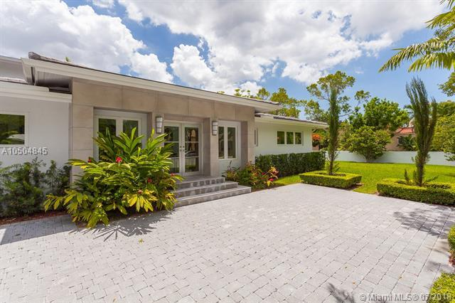 1415 Madrid St, Coral Gables, FL 33134 (MLS #A10504845) :: Hergenrother Realty Group Miami