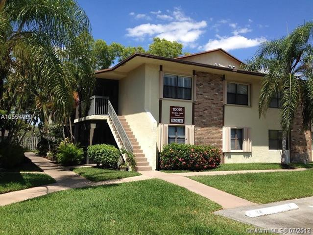10019 Winding Lake Rd #204, Sunrise, FL 33351 (MLS #A10504900) :: The Riley Smith Group