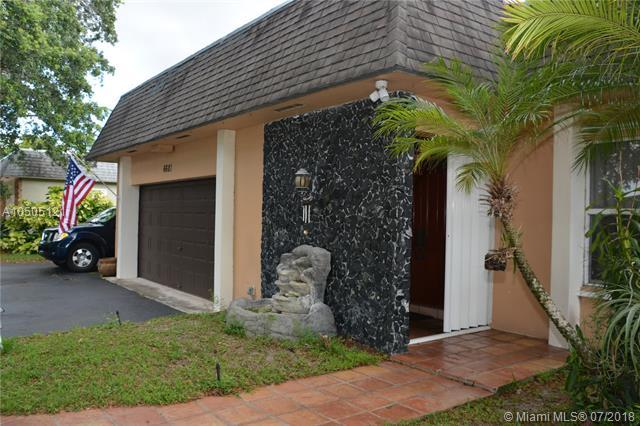 6681 SW 20th St, Plantation, FL 33317 (MLS #A10505121) :: Green Realty Properties