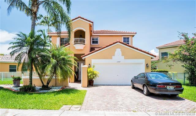 13102 SW 29th St, Miramar, FL 33027 (MLS #A10505122) :: Green Realty Properties