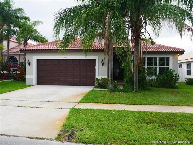 18033 SW 13th St, Pembroke Pines, FL 33029 (MLS #A10505234) :: The Riley Smith Group