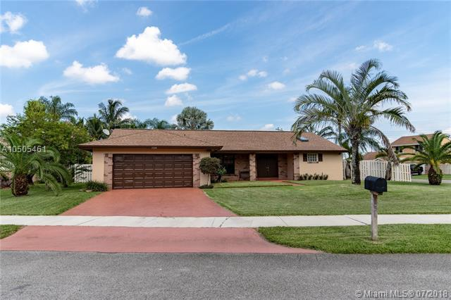 1320 White Stone Way, Davie, FL 33325 (MLS #A10505461) :: RE/MAX Presidential Real Estate Group