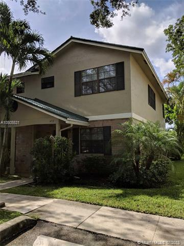 472 Westree Ln, Plantation, FL 33324 (MLS #A10505531) :: The Riley Smith Group