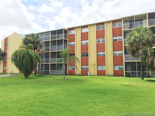 3600 NW 21st St #304, Lauderdale Lakes, FL 33311 (MLS #A10505551) :: The Riley Smith Group