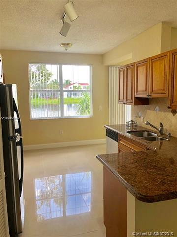14923 SW 15th St #14923, Pembroke Pines, FL 33027 (MLS #A10505555) :: The Chenore Real Estate Group