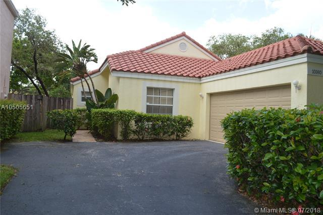 10360 NW 10th St, Plantation, FL 33322 (MLS #A10505651) :: The Riley Smith Group