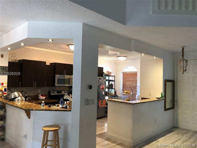 21033 NE 34th Pl, Aventura, FL 33180 (MLS #A10506026) :: RE/MAX Presidential Real Estate Group