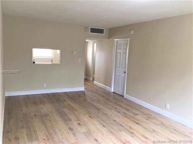 5171 W Oakland Park Blvd #307, Lauderdale Lakes, FL 33313 (MLS #A10506067) :: Green Realty Properties