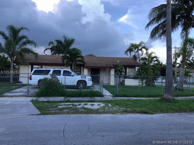 16001 SW 304th Ter, Homestead, FL 33033 (MLS #A10506262) :: The Riley Smith Group