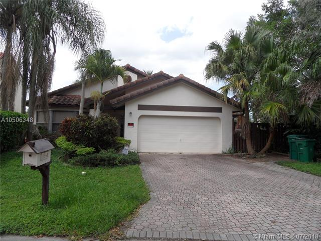 2645 Bass Wy, Cooper City, FL 33026 (MLS #A10506348) :: The Chenore Real Estate Group