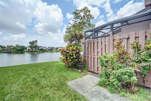 1149 NW 122nd Ter, Pembroke Pines, FL 33026 (MLS #A10506370) :: The Riley Smith Group