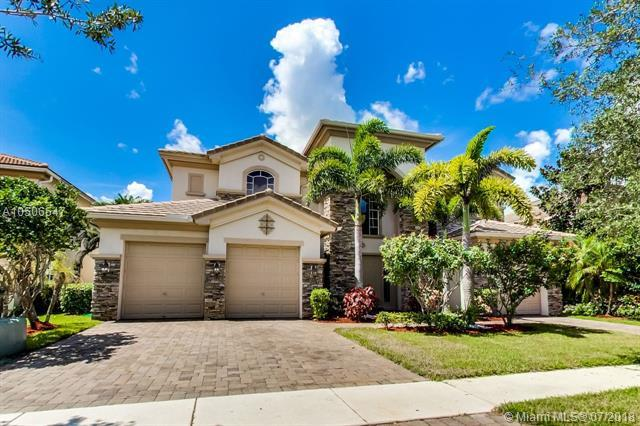 647 Edgebrook Ln, Royal Palm Beach, FL 33411 (MLS #A10506547) :: The Teri Arbogast Team at Keller Williams Partners SW