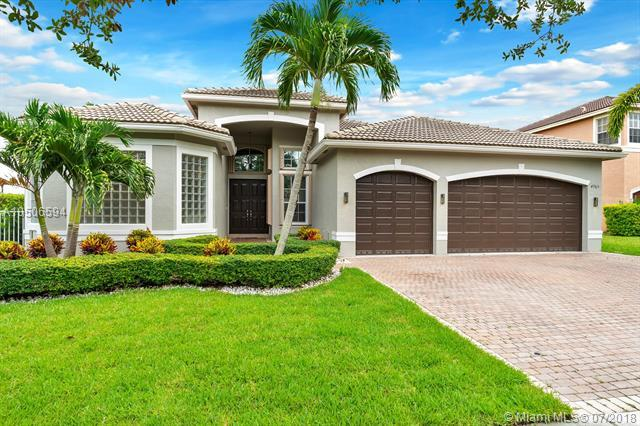 4965 SW 186th Way, Miramar, FL 33029 (MLS #A10506594) :: The Chenore Real Estate Group