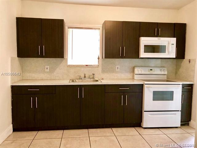 1038 NW 37th St, Miami, FL 33127 (MLS #A10506643) :: RE/MAX Presidential Real Estate Group