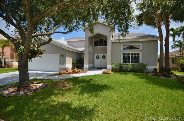 20149 NW 10th St, Pembroke Pines, FL 33029 (MLS #A10506651) :: The Teri Arbogast Team at Keller Williams Partners SW