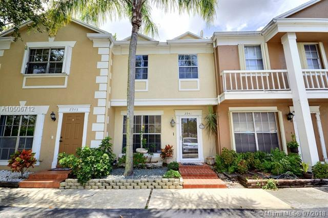 2941 Cambridge Ln, Cooper City, FL 33026 (MLS #A10506712) :: The Chenore Real Estate Group