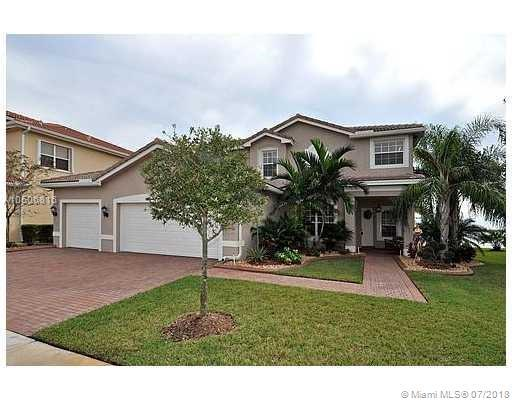 17992 SW 41st St, Miramar, FL 33029 (MLS #A10506816) :: The Chenore Real Estate Group