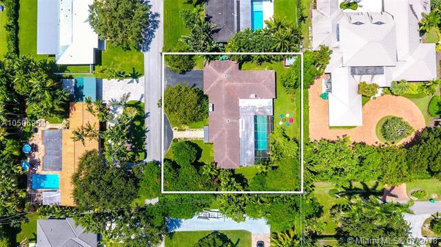 7741 SW 50th Ct, Miami, FL 33143 (MLS #A10506900) :: Hergenrother Realty Group Miami
