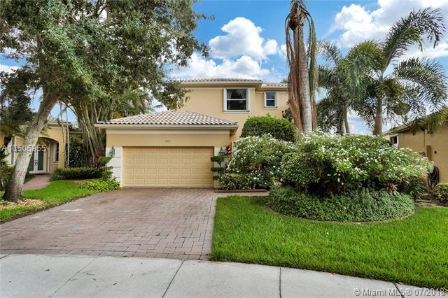 2477 Bay Isle Ct, Weston, FL 33327 (MLS #A10506955) :: Green Realty Properties