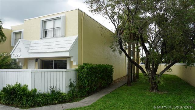 4560 SW 68th Ct Cir 61-9, Miami, FL 33155 (MLS #A10507023) :: The Teri Arbogast Team at Keller Williams Partners SW