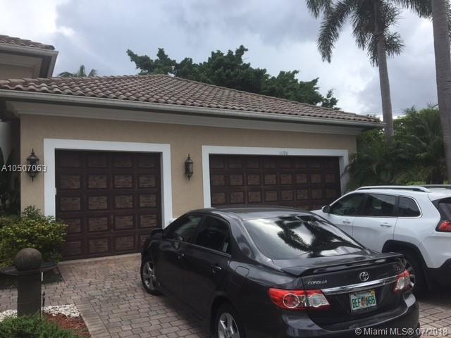 11190 Redhawk St, Plantation, FL 33324 (MLS #A10507063) :: The Chenore Real Estate Group