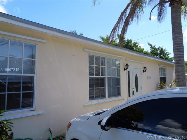 1925 Thomas St, Hollywood, FL 33020 (MLS #A10507216) :: The Chenore Real Estate Group