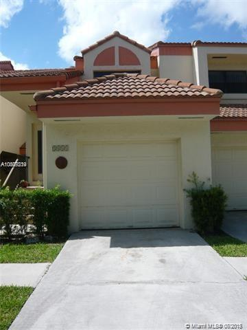 3411 Emerald Oaks Dr #205, Hollywood, FL 33021 (MLS #A10507239) :: The Teri Arbogast Team at Keller Williams Partners SW