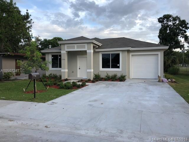2766 NW 6th Ct, Fort Lauderdale, FL 33311 (MLS #A10507287) :: The Chenore Real Estate Group
