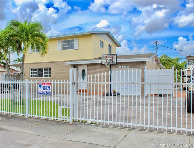 2432 SW 128th Ave, Miami, FL 33175 (MLS #A10507307) :: The Teri Arbogast Team at Keller Williams Partners SW