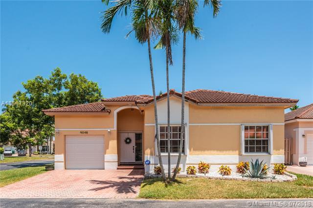 9048 SW 215th Ter, Cutler Bay, FL 33189 (MLS #A10507320) :: Green Realty Properties