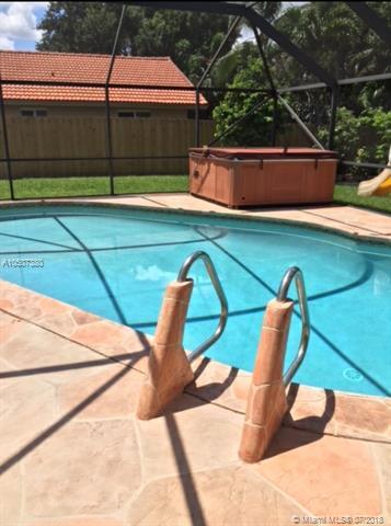 191 El Dorado Pkwy #191, Plantation, FL 33317 (MLS #A10507380) :: The Chenore Real Estate Group