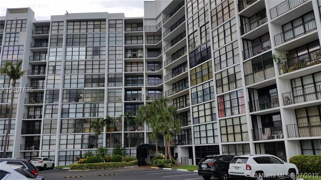 800 NE Parkview Dr #416, Hallandale, FL 33009 (MLS #A10507635) :: The Chenore Real Estate Group