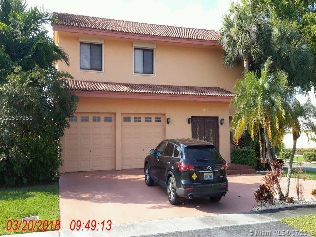 402 SE 6 Street, Dania Beach, FL 33004 (MLS #A10507850) :: The Teri Arbogast Team at Keller Williams Partners SW