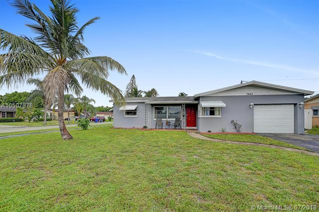 7442 Branch St, Hollywood, FL 33024 (MLS #A10507878) :: The Chenore Real Estate Group