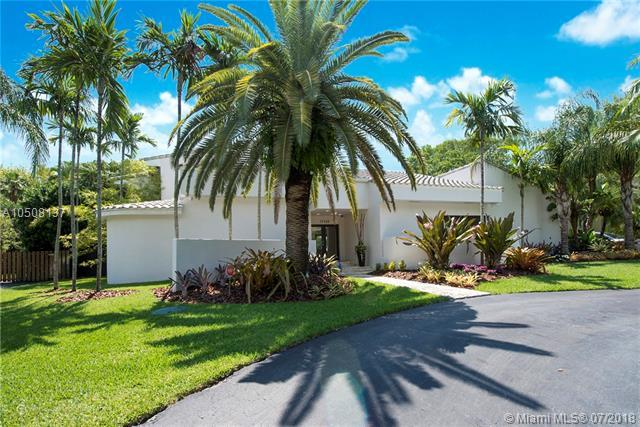17125 SW 80th Ct, Palmetto Bay, FL 33157 (MLS #A10508137) :: The Erice Group
