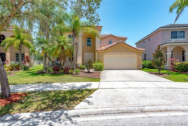 1661 Royal Grove Way, Weston, FL 33327 (MLS #A10508219) :: Laurie Finkelstein Reader Team
