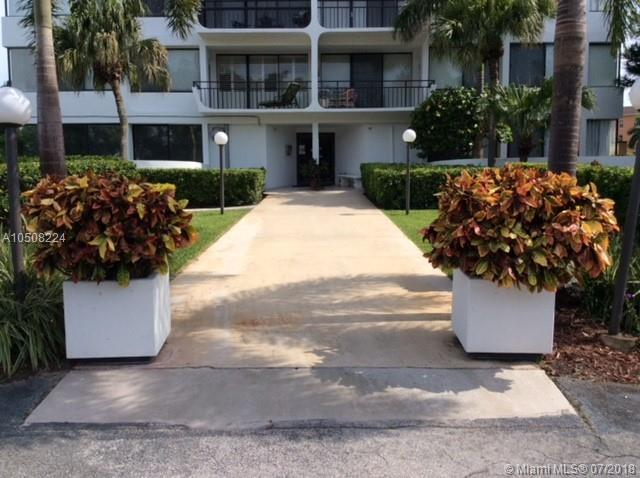 1500 Presidential Way #205, Palm Beach, FL 33401 (MLS #A10508224) :: Laurie Finkelstein Reader Team