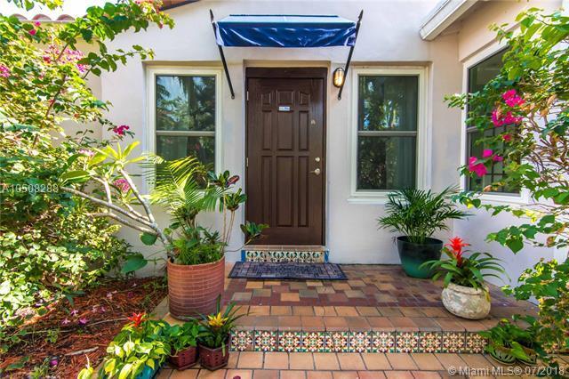 651 NE 72nd Ter, Miami, FL 33138 (MLS #A10508288) :: Miami Lifestyle