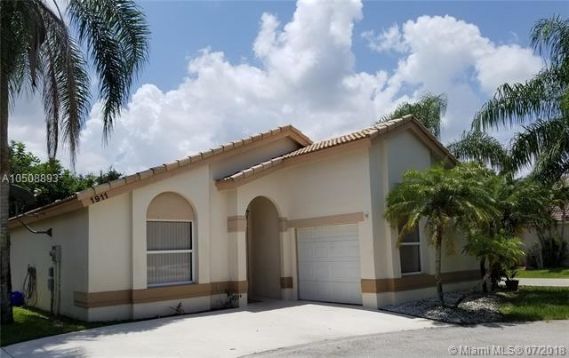 1911 Capeside Cir, Wellington, FL 33414 (MLS #A10508893) :: Hergenrother Realty Group Miami