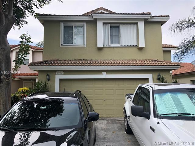 4957 Pelican Mnr, Coconut Creek, FL 33073 (MLS #A10508949) :: Stanley Rosen Group