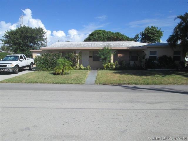 2400 Park Ave, Riviera Beach, FL 33404 (MLS #A10510395) :: Laurie Finkelstein Reader Team