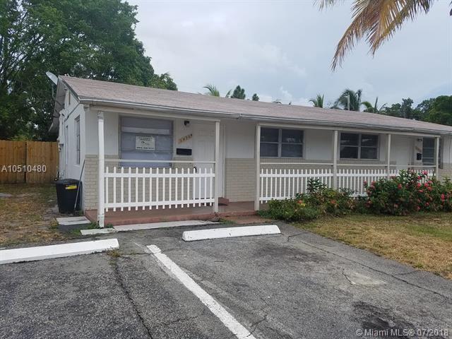 3470 NE 1st Ave, Pompano Beach, FL 33064 (MLS #A10510480) :: Stanley Rosen Group
