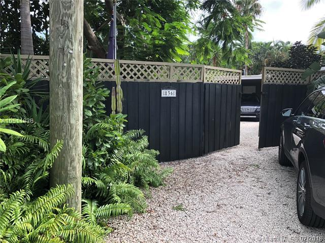 836 NE 16th Ct, Fort Lauderdale, FL 33305 (MLS #A10511836) :: Laurie Finkelstein Reader Team