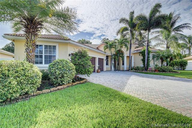 9056 Charlee St, Lake Worth, FL 33467 (MLS #A10511921) :: Laurie Finkelstein Reader Team