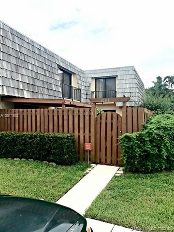 1001 Springdale Circle 100-A, Palm Springs, FL 33461 (MLS #A10511943) :: Green Realty Properties