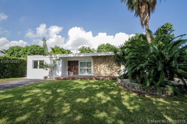1955 Alamanda Dr, North Miami, FL 33181 (MLS #A10512023) :: Green Realty Properties