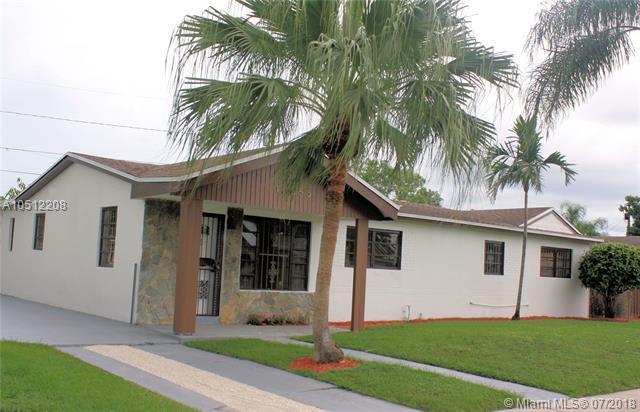 10355 SW 151st Ter, Miami, FL 33176 (MLS #A10512208) :: Green Realty Properties