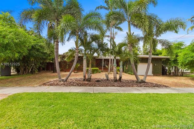 2130 NE 124th St, North Miami, FL 33181 (MLS #A10512825) :: Green Realty Properties