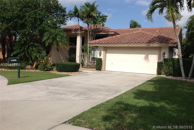 1265 Fairfax, Weston, FL 33326 (MLS #A10512970) :: Green Realty Properties